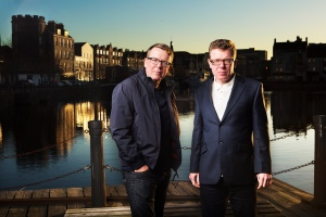 Craig and Charlie Reid, The Proclaimers take a walk on the shore, Leith, Edinburgh, Scotland, UK. 2nd December 2014 PHOTO BY MURDO MACLEOD All Rights Reserved Tel + 44 131 669 9659 Mobile +44 7831 504 531 Email: m@murdophoto.com STANDARD TERMS AND CONDITIONS APPLY (press button below or see details at http://www.murdophoto.com/T%26Cs.html No syndication, no redistribution, Murdo Macleods repro fees apply. ARCHIVAL